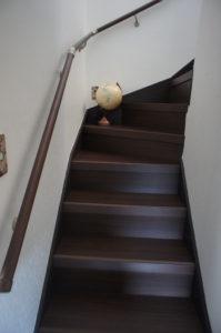 新築同様になった階段