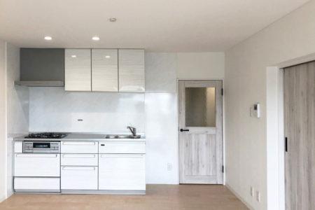 築30年以上のお部屋をフルリフォーム 爽やかで清潔感のある印象に